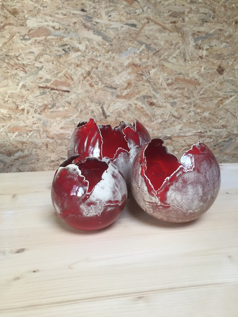 keramiekatelier de kleituin bollen rood vaas