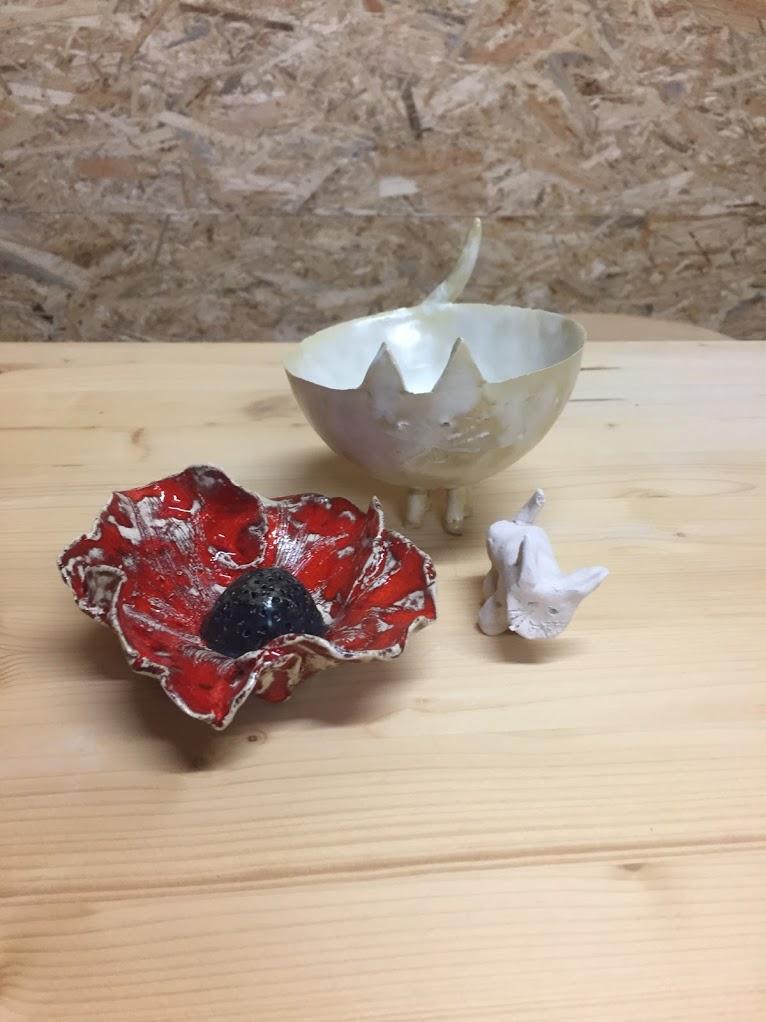 keramiekatelier de kleituin kinderhanden maken bloem poes en poezen kom